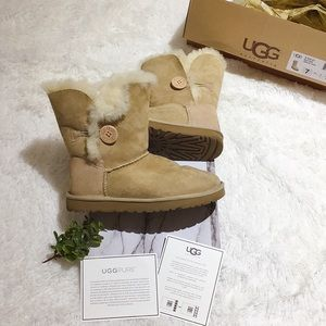 UGG W BAILEY BUTTON Winter Snow Boots ❄️